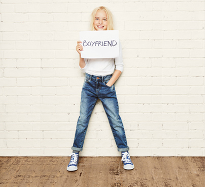 /landings/pants/img/girls-jeans-boyfriend.jpg